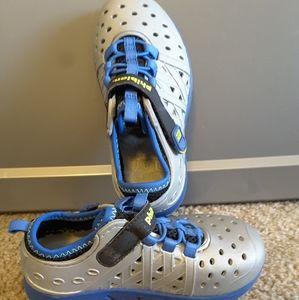 Stride Rite Made2Play Phibian shoe blue silver sz9